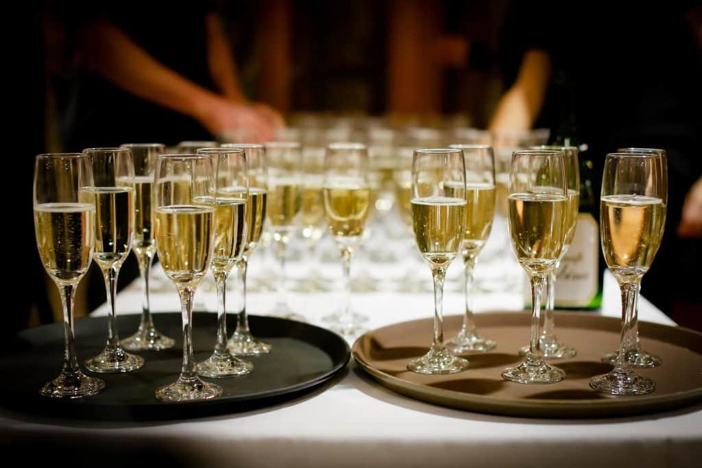 Sekt oder Champagner – der Unterschied in 3 Etappen !