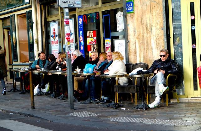 Alltag Strassencafé in Frankreich