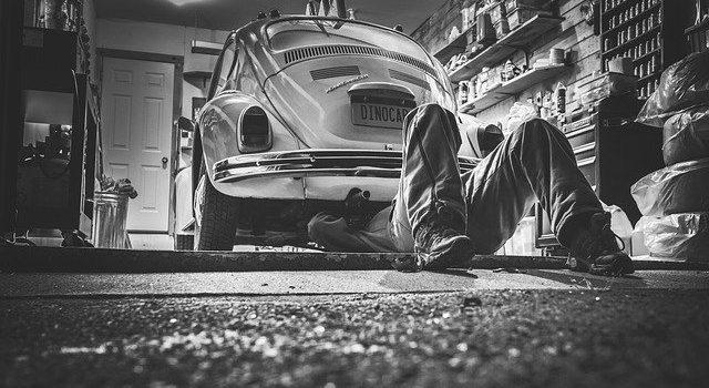 Französische Autowerkstatt